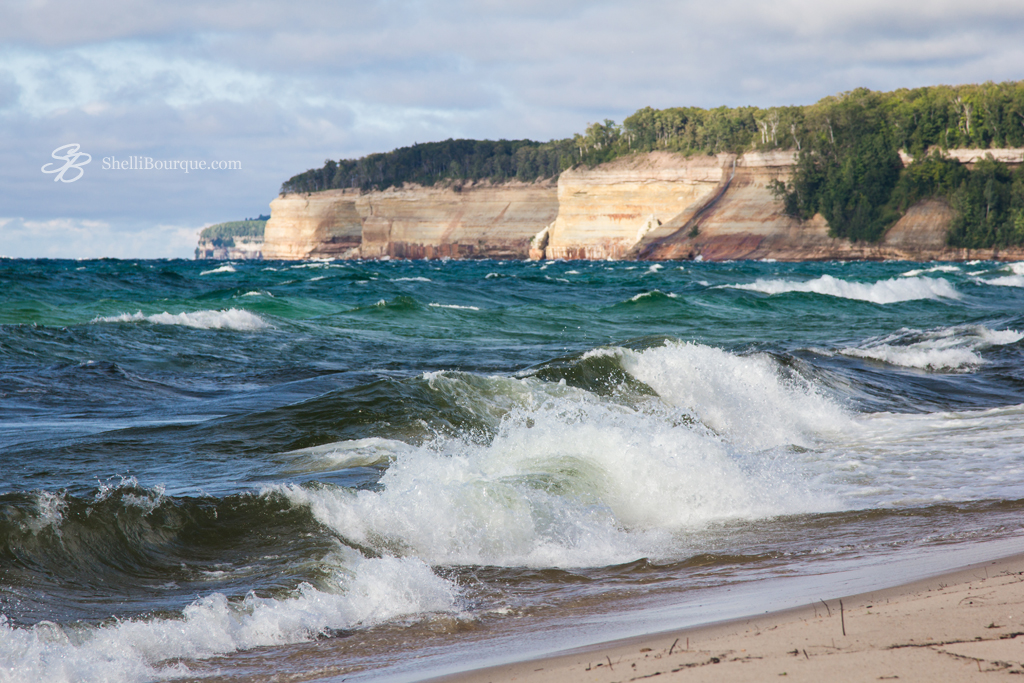 Lake Superior waves crashing - ShelliBourque